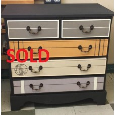 Stylish 5 Drawer Chest